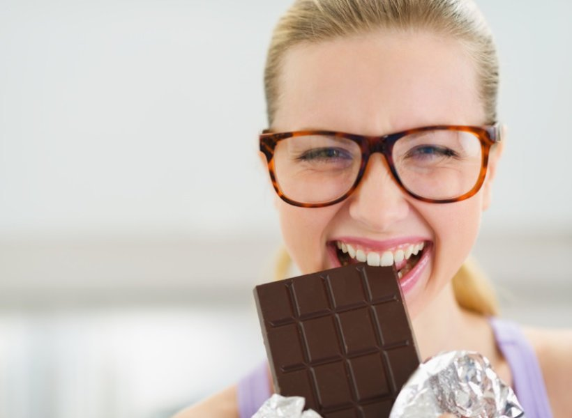 eat dark chocolates